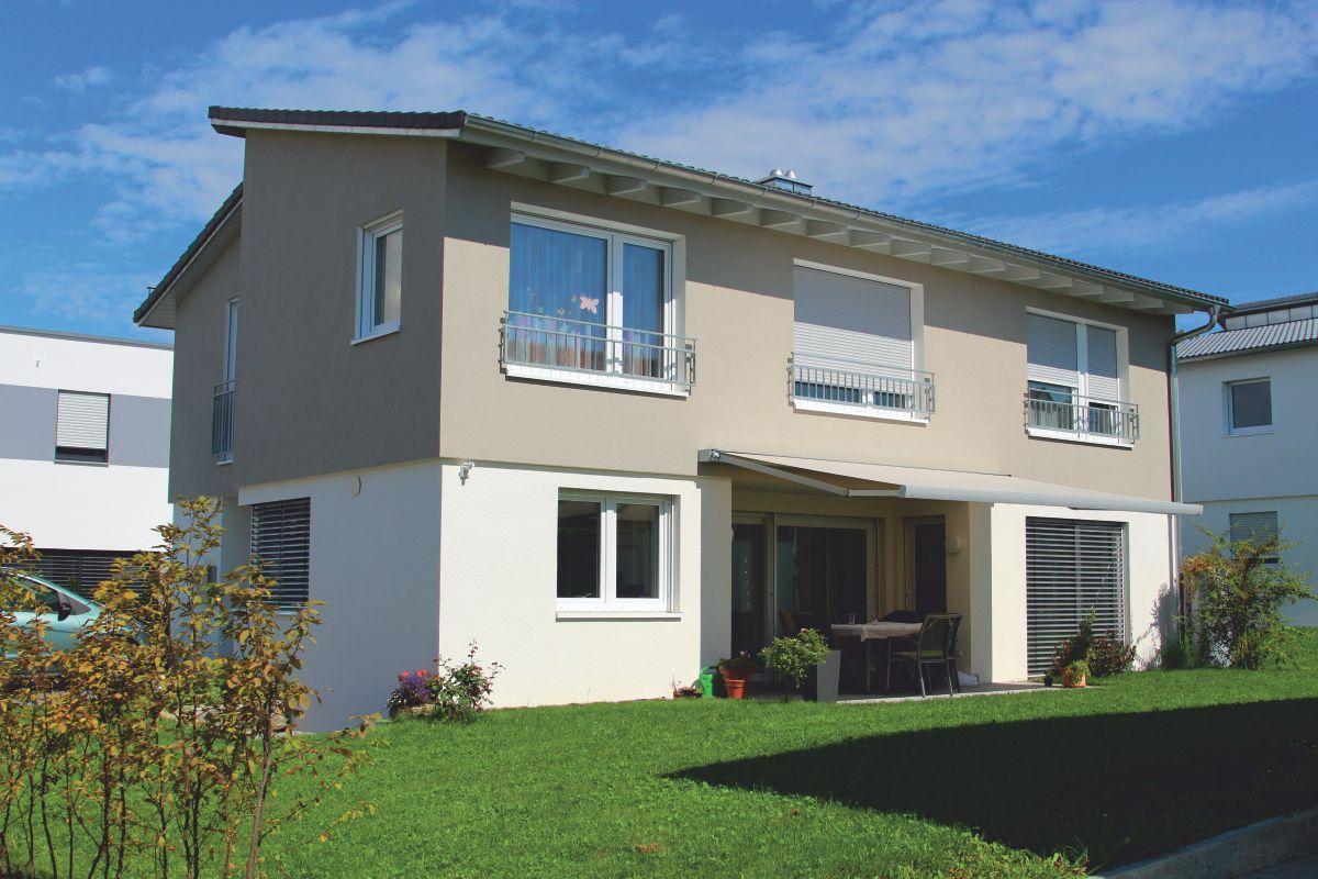 Einfamilienhaus exquisit mit versetztem pultdach m rth for Exquisit grundriss modern