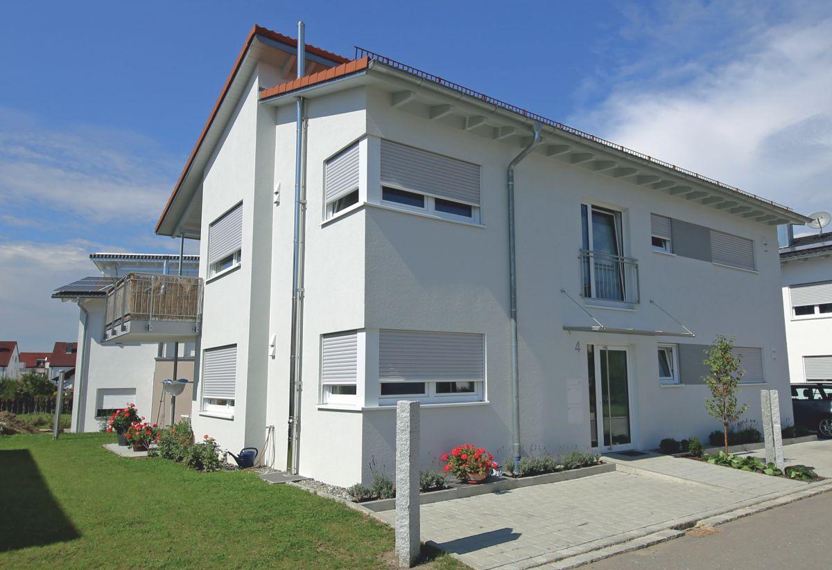 Zweifamilienhaus modern art mit versetztem pultdach for Einfamilienhaus oder zweifamilienhaus